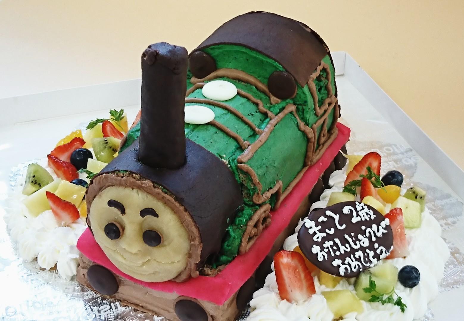 パーシーのバースデーケーキ(*^^*)