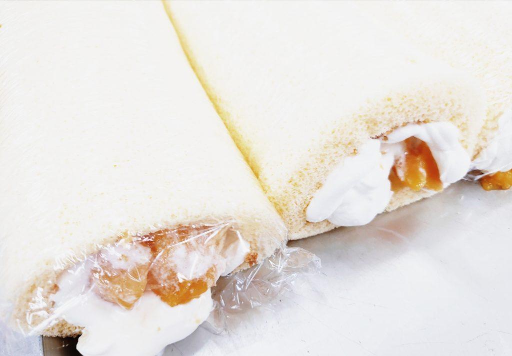桃(黃美娘)ロールケーキ