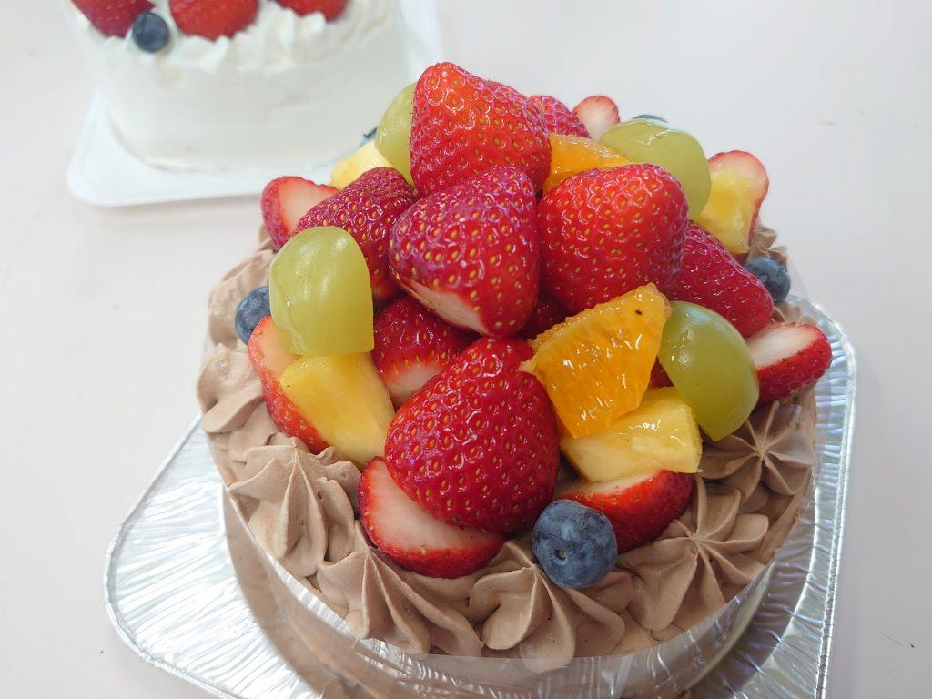 メガ盛りフルーツケーキ