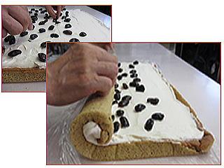 花豆玄米ロールケーキを巻く画像巻き上げる画像